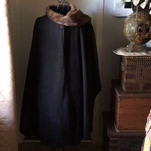 Beautiful Cape with Faux Fur NWT